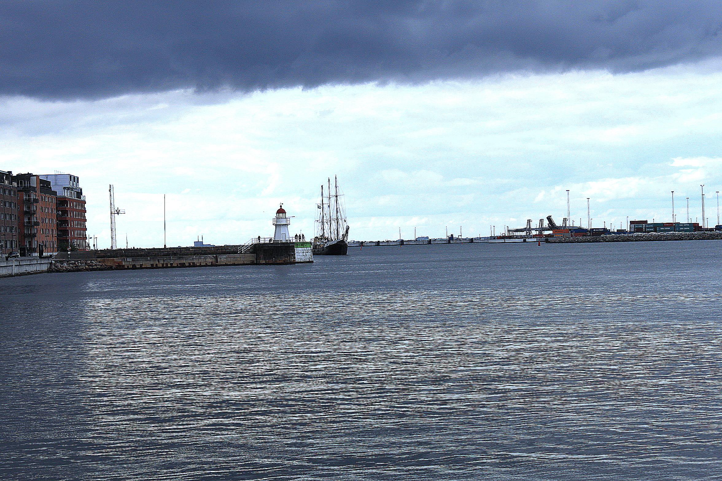 Mikael wiehe seglar med ship to gaza